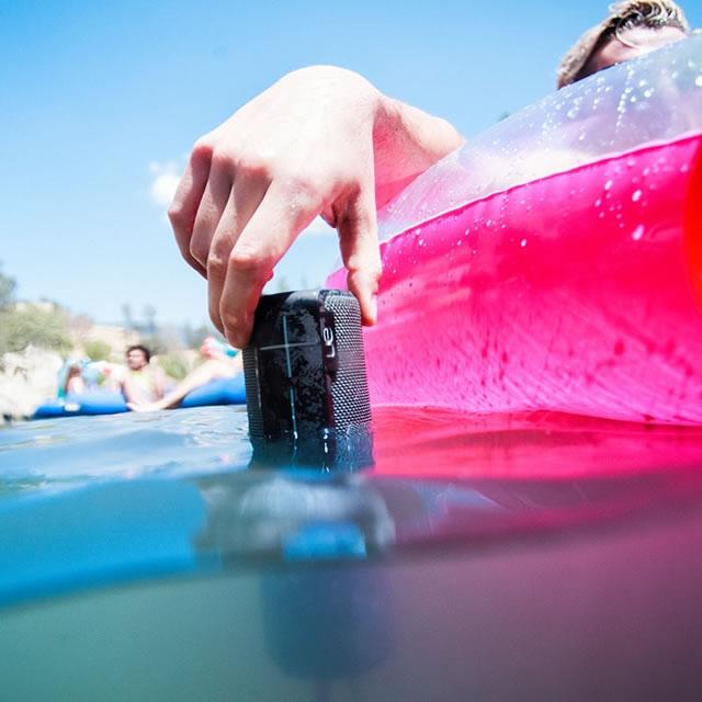 Black waterproof UE Boom portable speaker in water